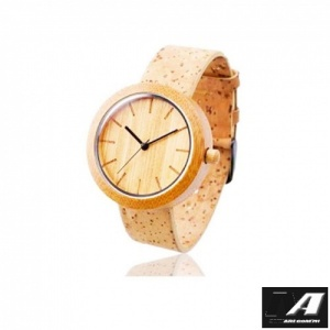 eco_friendly_brown_bamboo_watch